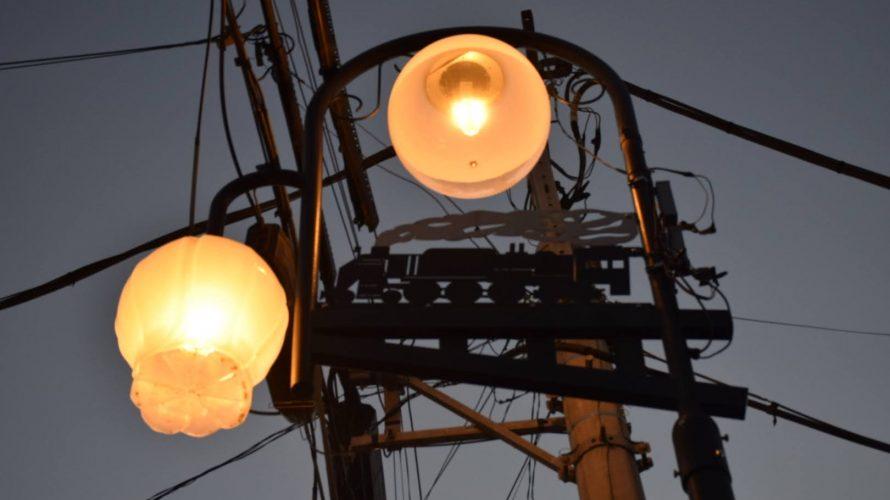 野田町駅跡とSLモチーフの街灯が並ぶ野田市駅前。 -野田⑿