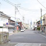 玉崎神社参道を歩く。裏道には大正モダンな「吉村理髪店」も現存 ー一宮⑵